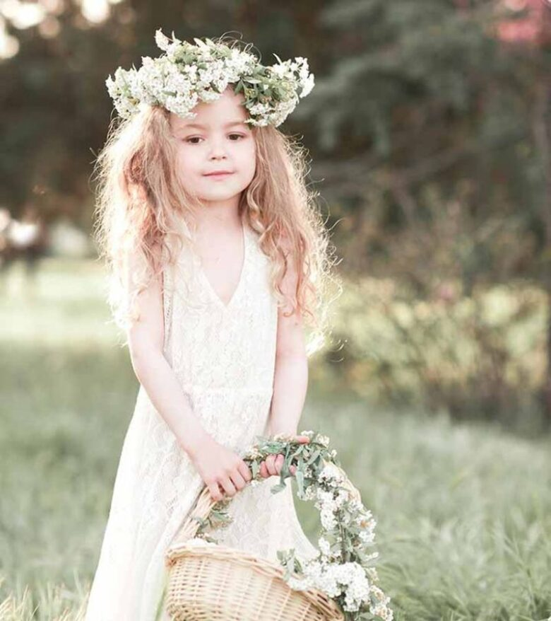Flower Girl Wedding Hairstyles: Flawless Dresses And Hairstyles For Flower Girls