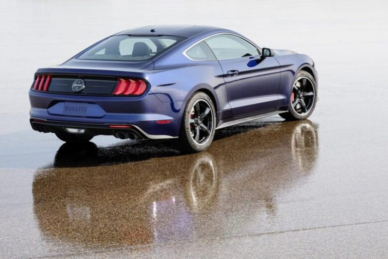ford mustang body styles platform  powertrain price specs