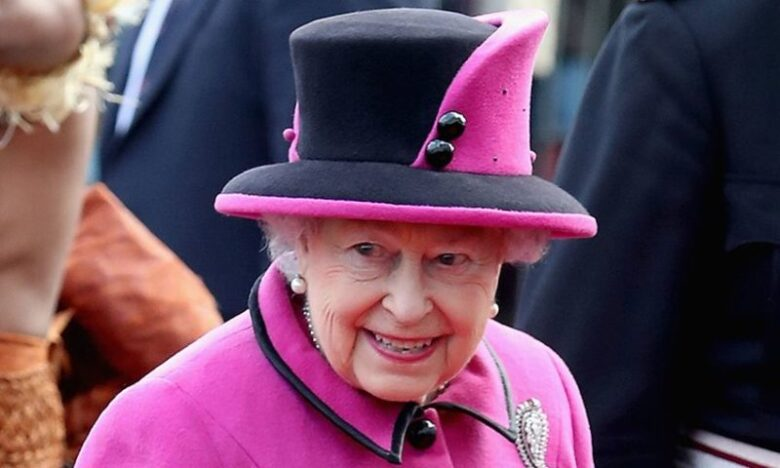 The Queen Employs a Social Media Profile Manager2