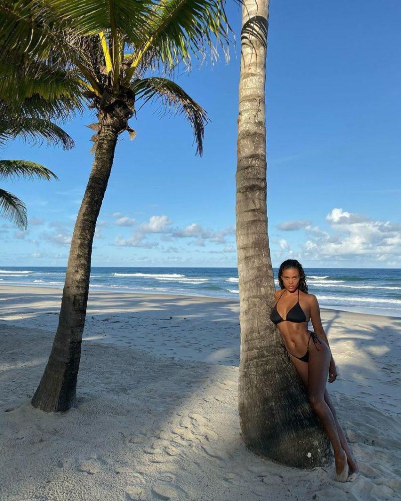 Tina Kunakey Shows of Incredible Bikini Figure1