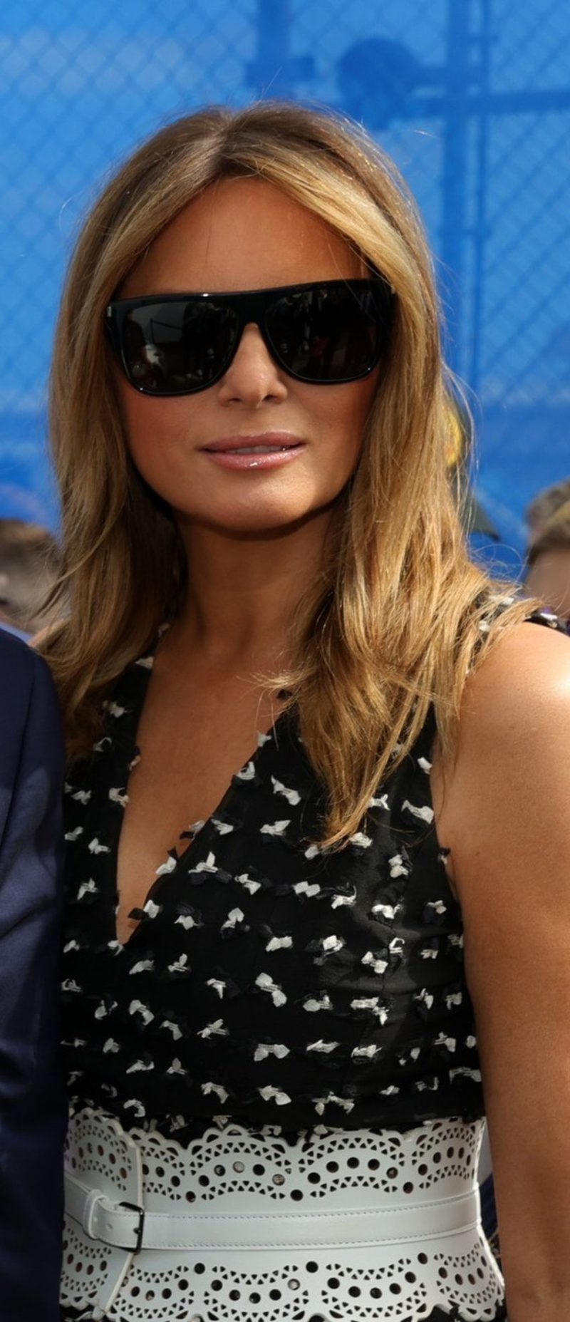 Melania Trump Held Another Class on Fashion - DemotiX