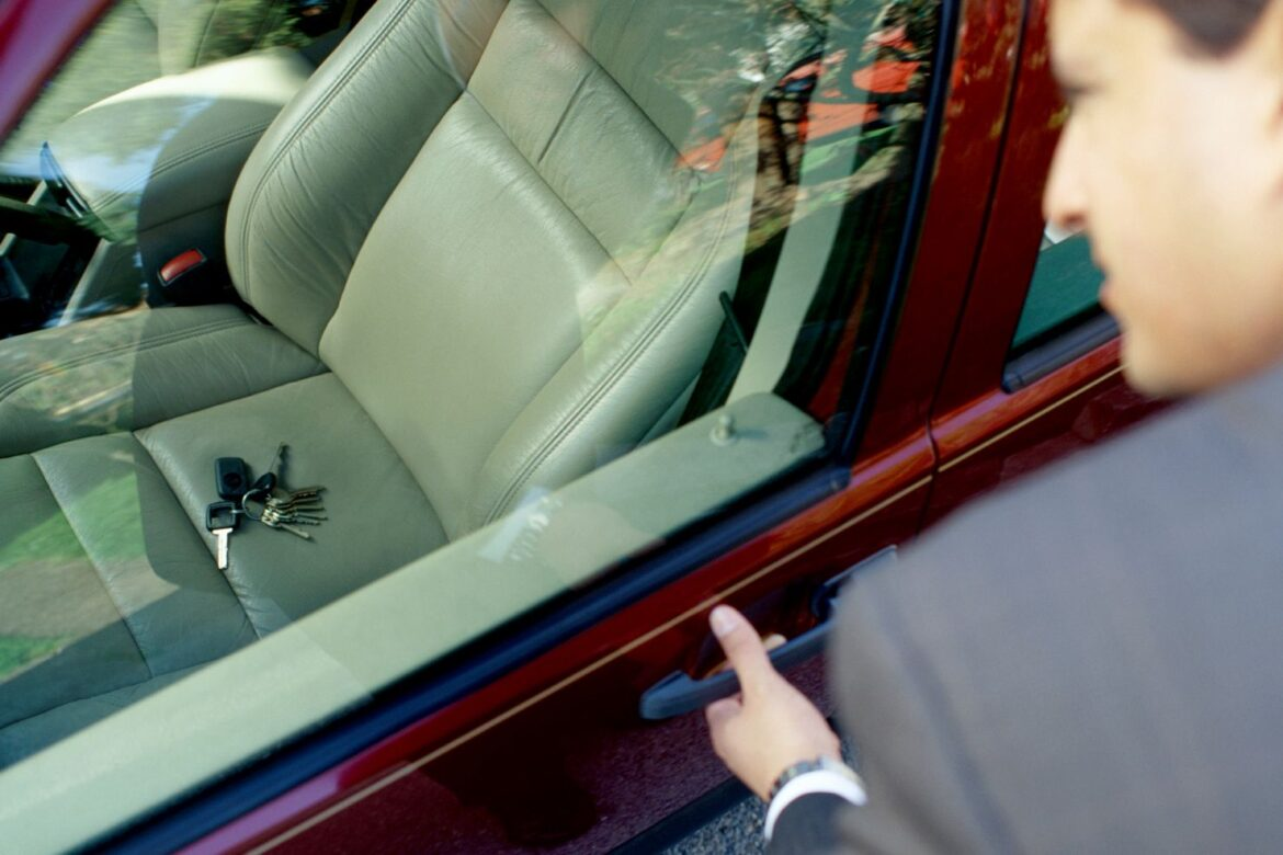 7 Ways To Get Car Keys Out Of Locked Vehicle – 2020 Guide