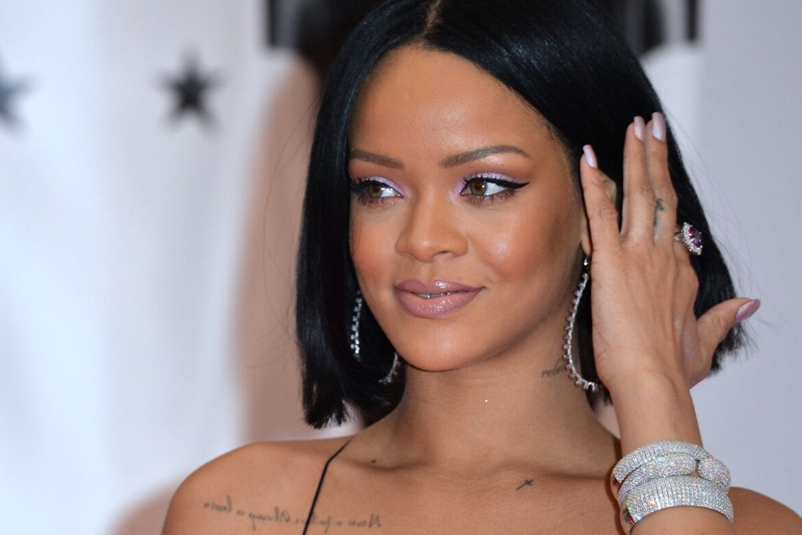 10 Inspiring Rihanna Quotes to Help You Live Life to the Fullest